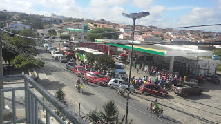 Falta de combustível em Picuí faz população lotar posto