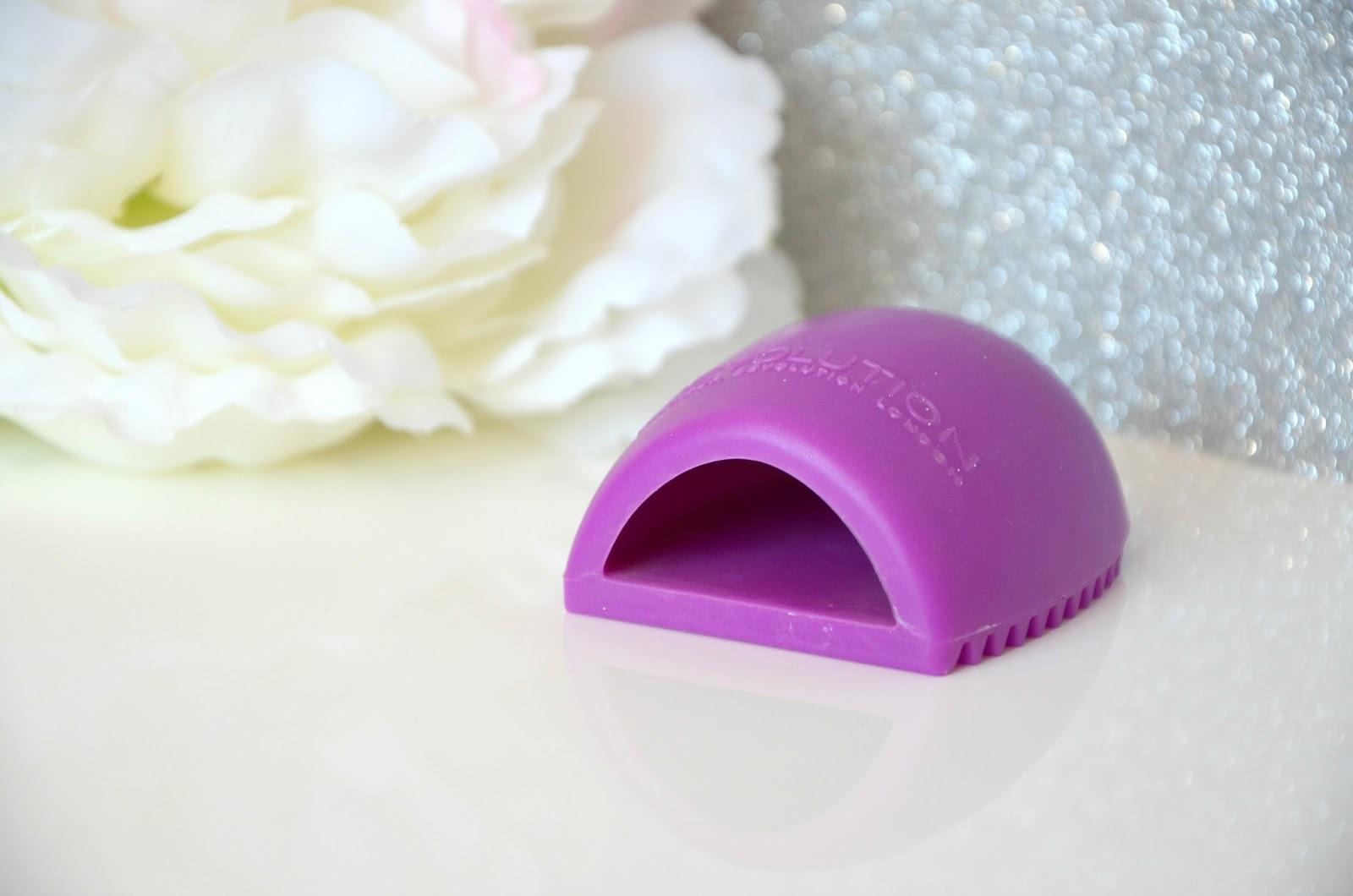brosse nettoyante pour pinceaux makeup revolution london