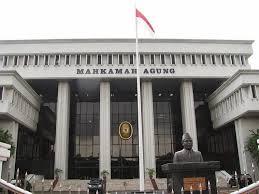 peranan lembaga peradilan di Indonesia