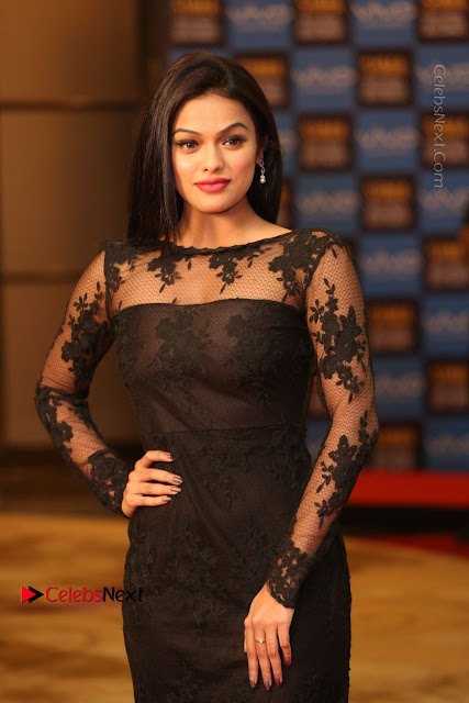 Actress Soniya Stills in Beautiful Black Long Dress at SIIMA Short Film Awards 2017  0001