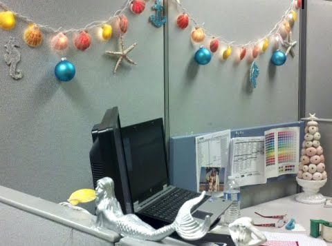 Cubicle Christmas Decorating Ideas