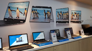 A view of the new Dell Exclusive Store layout.