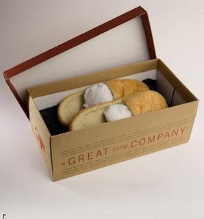 caja con pantuflas