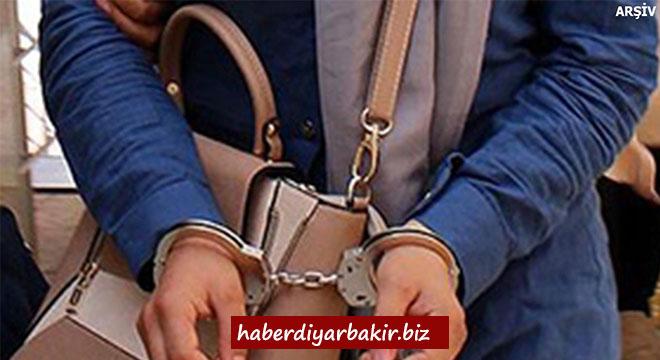 Diyarbakır Vali yardımcısı Sercan Gökdemir'in eşi de tutuklandı