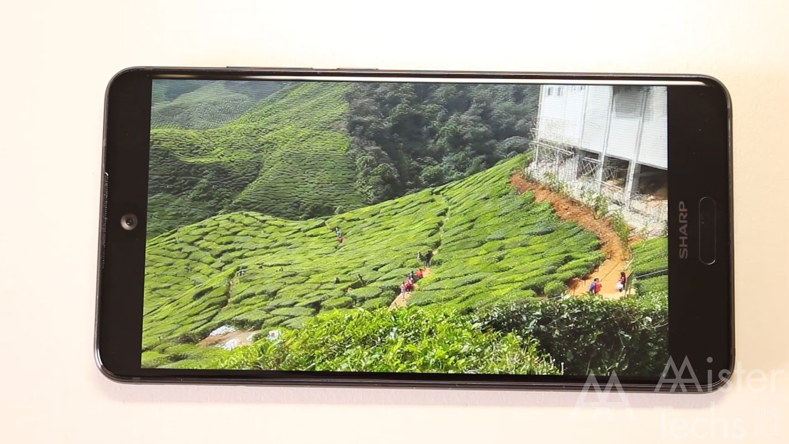 Sharp Aquos S2 Review: Great Bezelless Smartphone with Half Baked