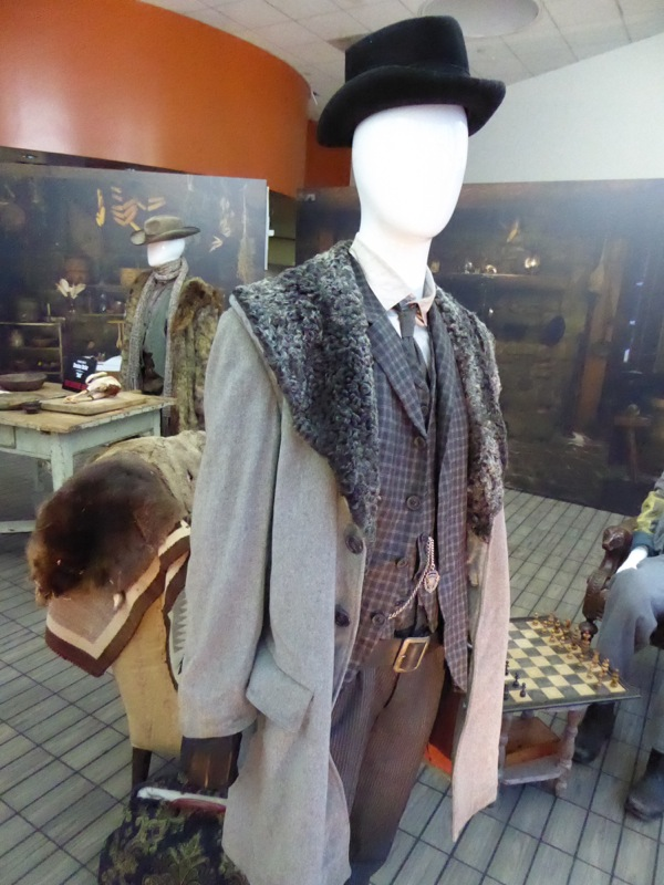 Oswaldo Mowbry Hateful Eight movie costume