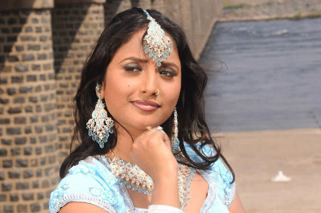 Rani Chatterjee Biography wiki - Bhojpuri Actress Rani Chatterjee Profile, Movies list, upcoming film release date 2018, 2019 New
