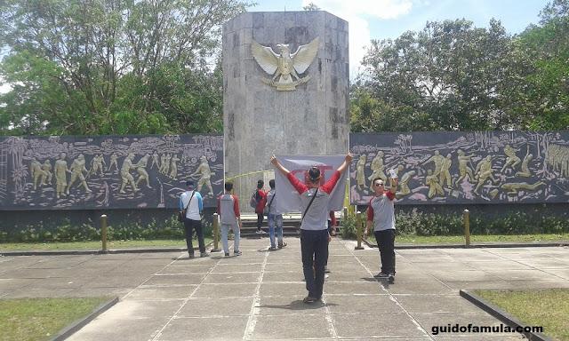 Lingkungan monumen makam juang