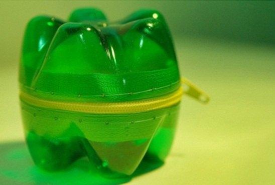 Gambar membuat dompet lucu tempat permen dari botol bekas