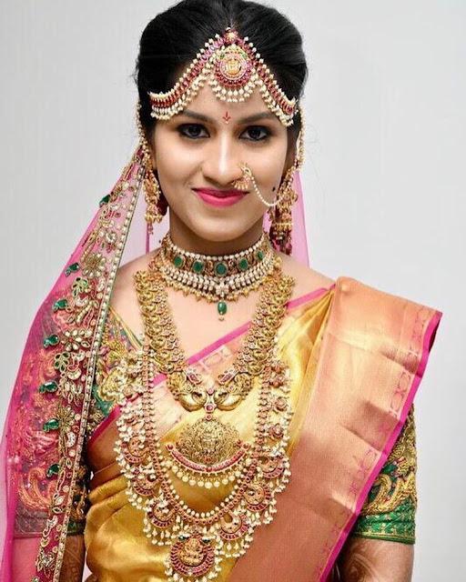 Bride in Guttapusalu Emerald Choker