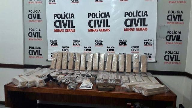 Polícia apreende cerca de 100 tabletes de maconha em Itajubá (Foto: Polícia Civil)