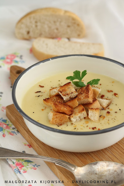 zupa krem z ziemniaków, przepis na krem z cukinii, jak wykorzystać resztki z wydrążonej cukinii, daylicooking