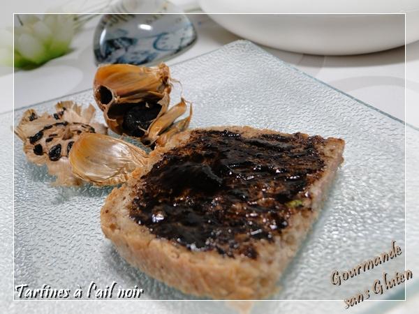 Tartine ail noir sur du pain sans gluten