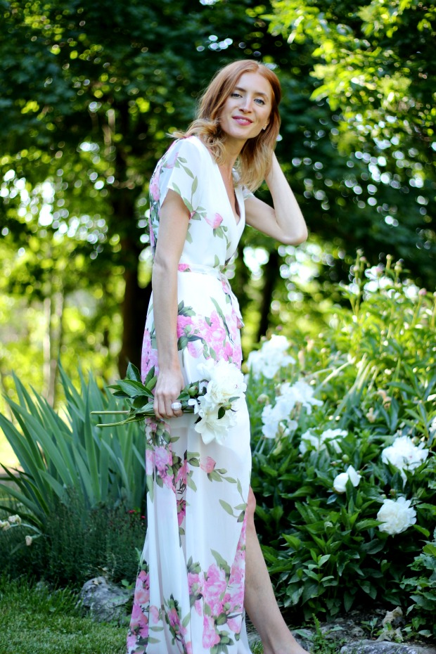 Shein Garden Floral Maxi Dress, Old Navy Fringe sandals & How to make garden bouquet