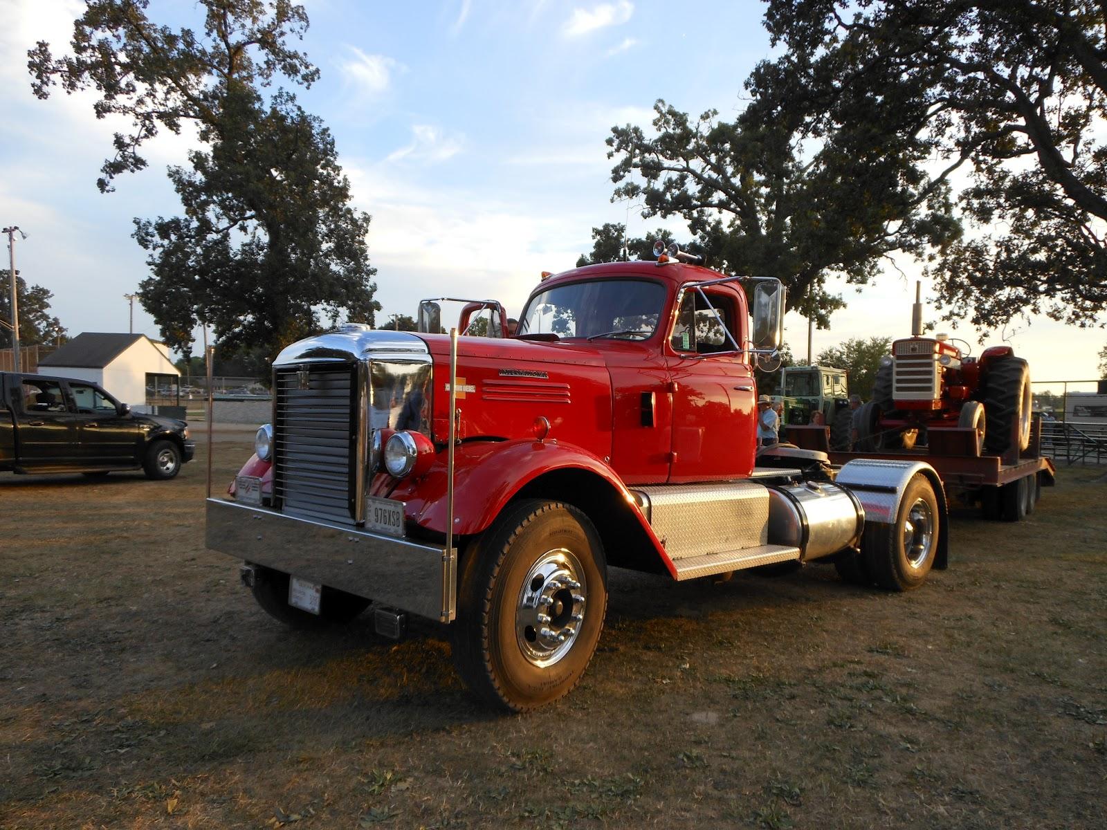 antique trucks autos weblog. Black Bedroom Furniture Sets. Home Design Ideas