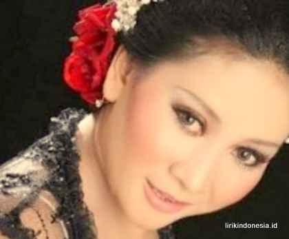 Lirik Sunda Bubuy Bulan Nining Meida