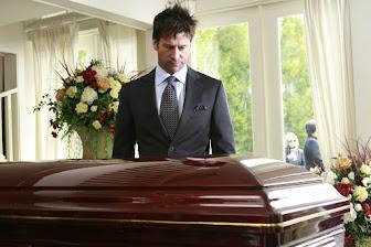 Asistir a nuestro propio entierro