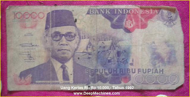 Gambar Mata Uang Kertas RI Rp 10.000,- Tahun 1992 bergambar Pahlawan Ki Hajar Dewantara