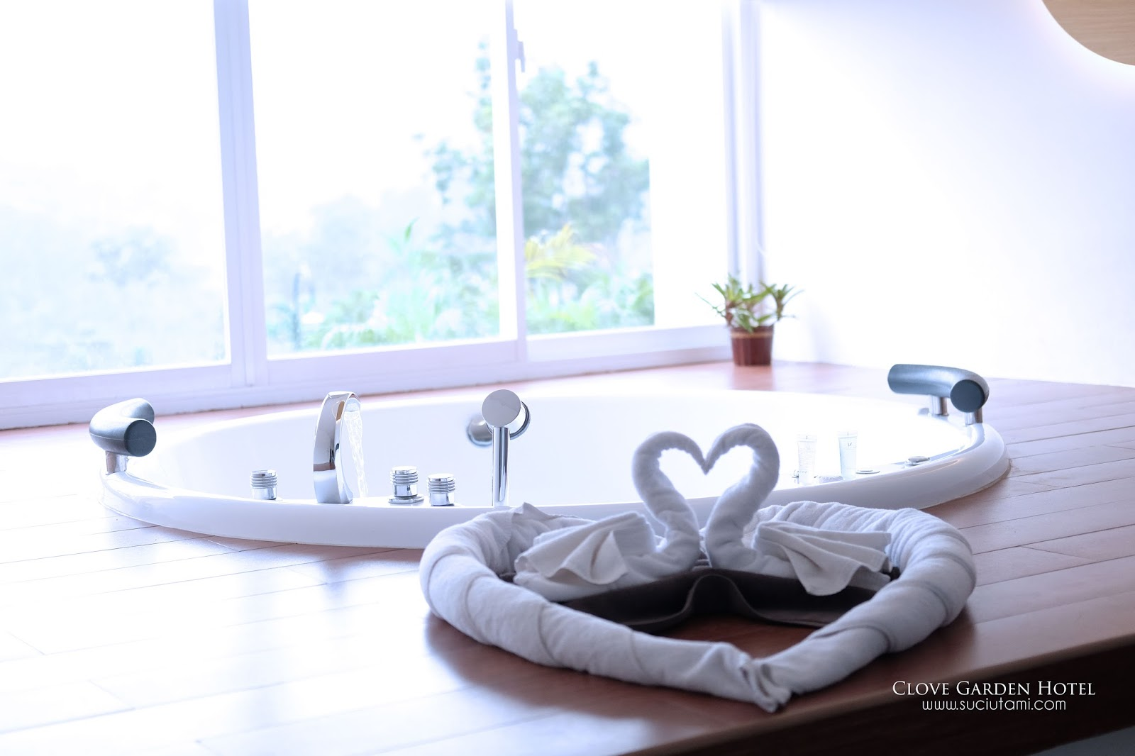 Suci Utami Productive Housewife Clove Garden Hotel Bandung