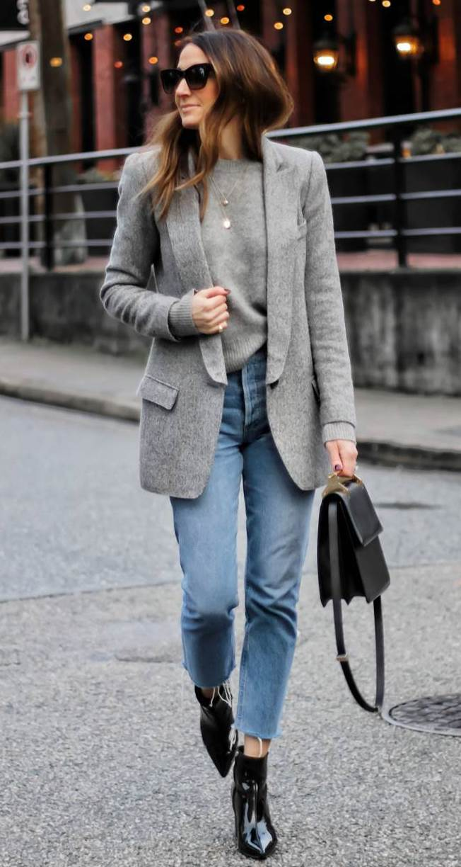 cool office outfit idea to copy this all / grey blazer + pullover + bag + jeans + boots