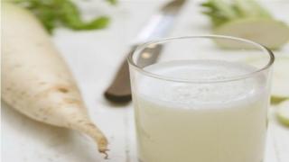Jus Lobak  Menghilangkan Bintik Hitam di Wajah