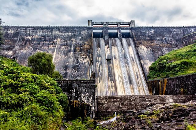 Sollaiyar dam full view from the bottom