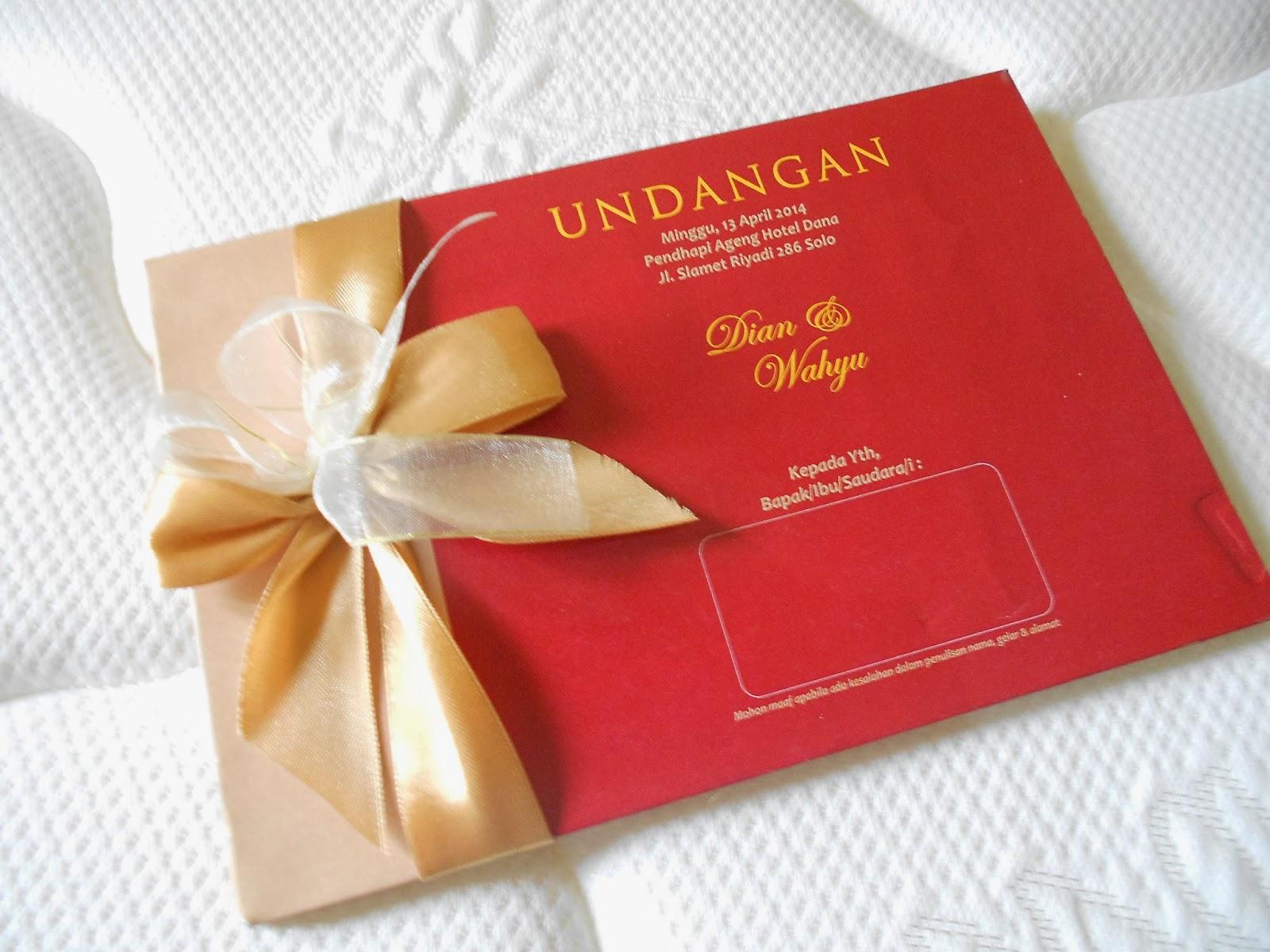 Undangan Pernikahan Gold Merah Marun Enha 069 Undangan