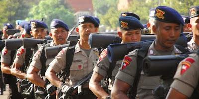 Ratusan Brimob Jatim-Sumsel Tiba di Sorong