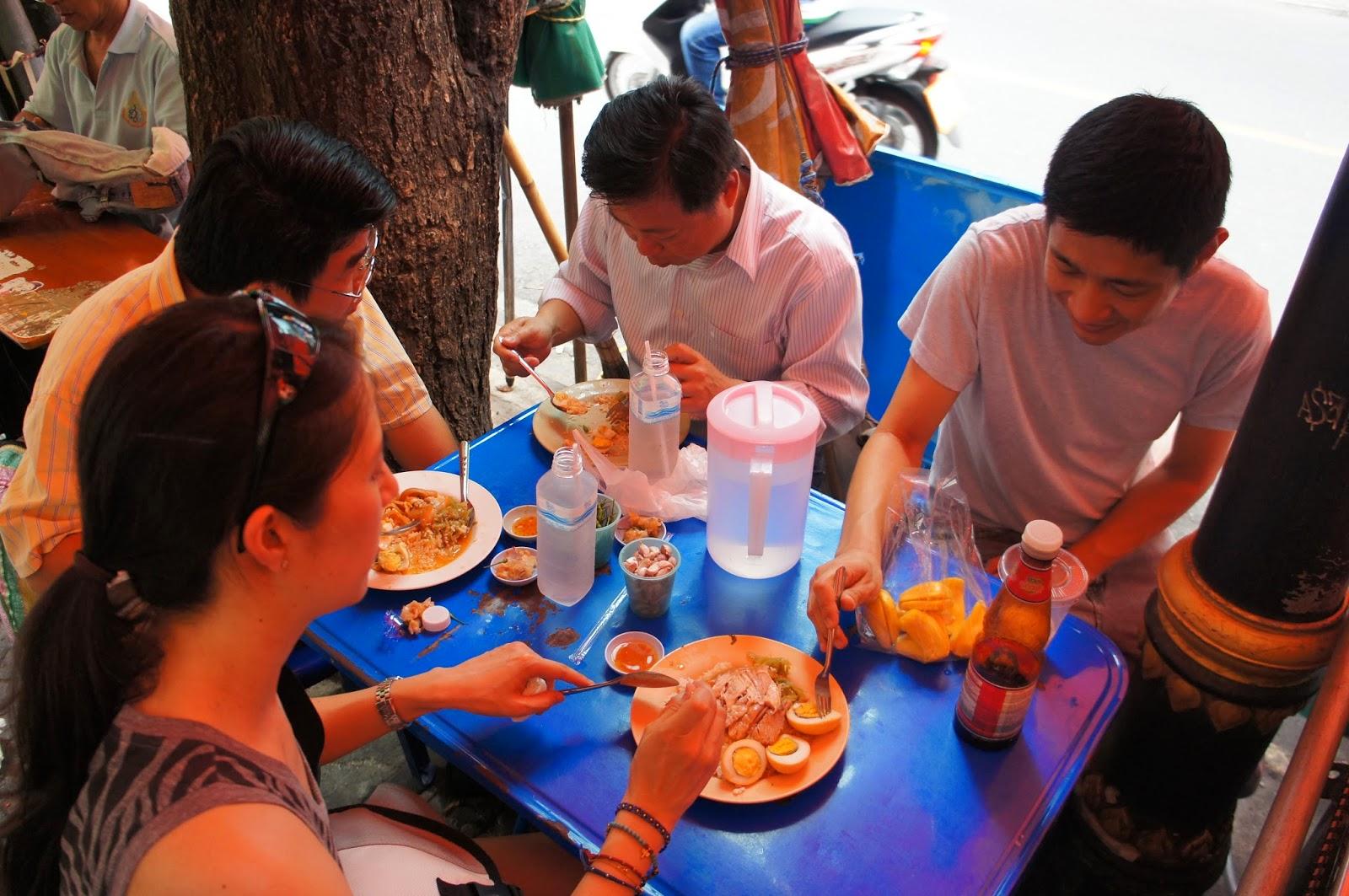 Bangkok - Time to enjoy some pork and rice