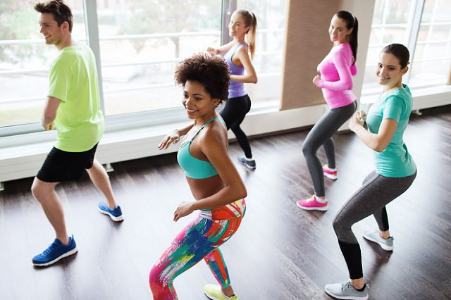 Cuerpo y mente saludable con ejercicios y deporte