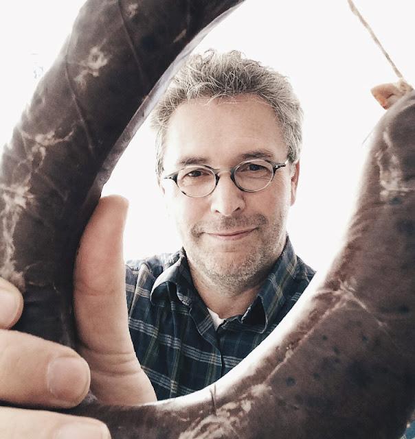 Foodblogger Kai Brückner mit Blutwurst