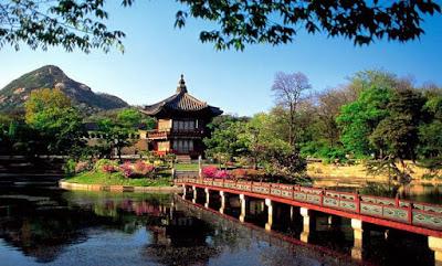 Gambar Pemandangan Indah di Korea Tempat Wisata Danau Populer
