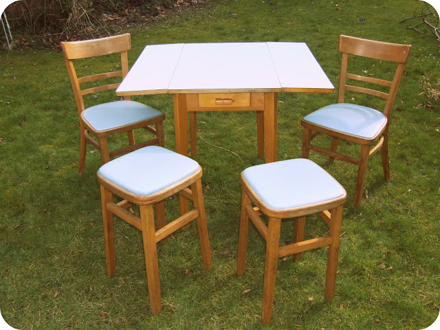 Drop Leaf Kitchen Table With  Round Stools White