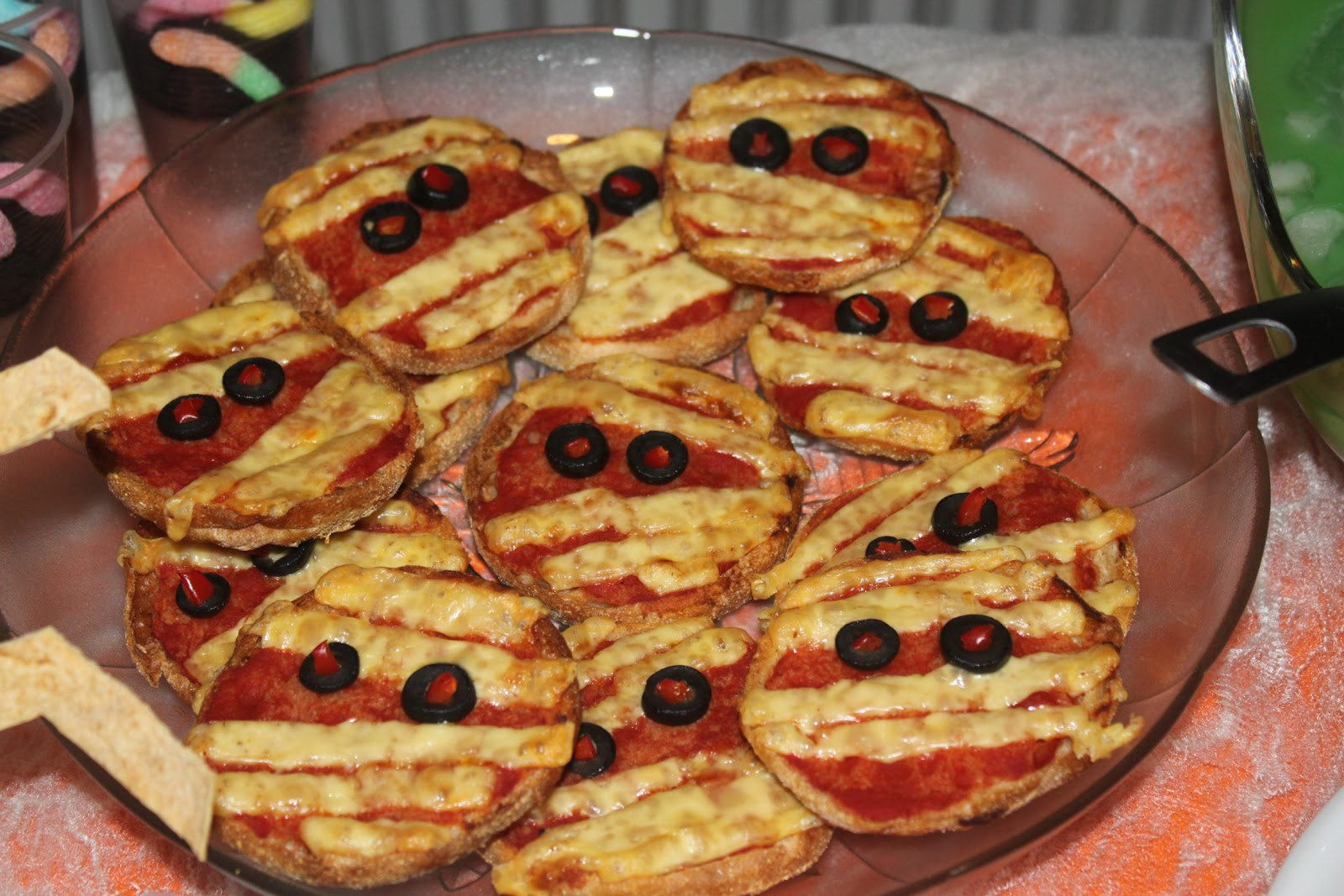 Tales Of A Garlic And Onion Lover: Halloween Party Food