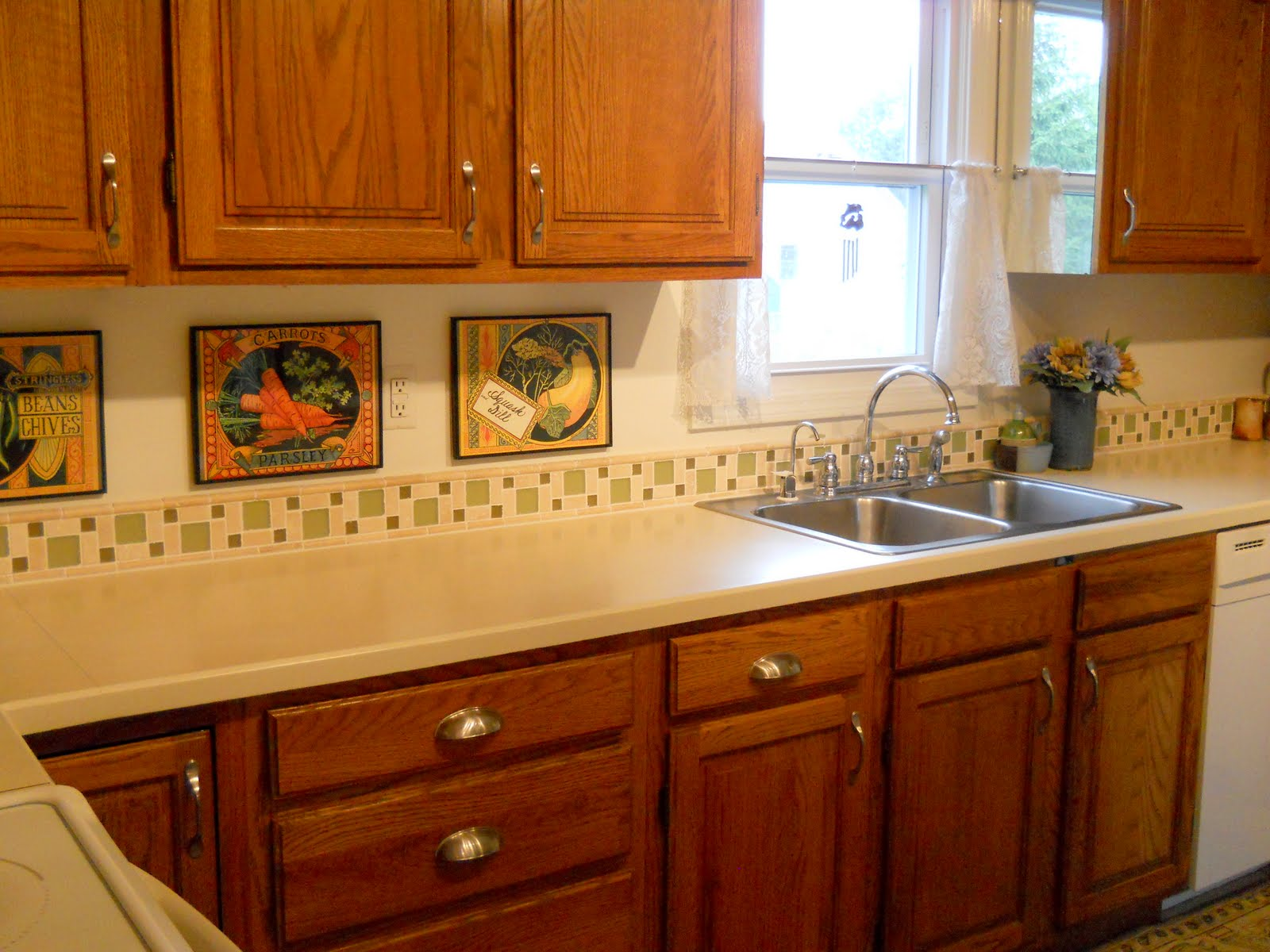 Lowe's White Kitchen Cabinets