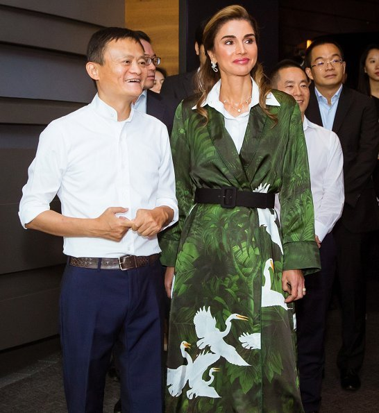 Queen Rania attended the XIN Philanthropy Conference hosted by the Alibaba Group in Hangzhou. shinny kimono and red white dress