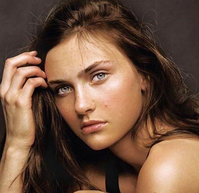 100 ± Foto Supermodel Cantik Dunia Paling Hot & Seksi Serta Kaya Raya