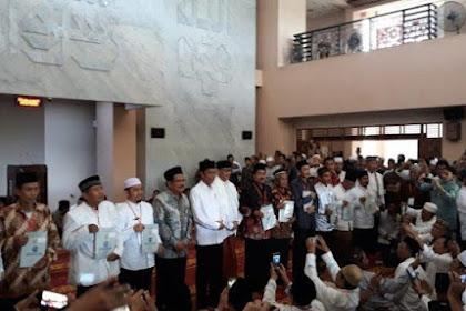 Jokowi Kembali Bagikan Sertifikat Wakaf dalam Masjid di Tangsel