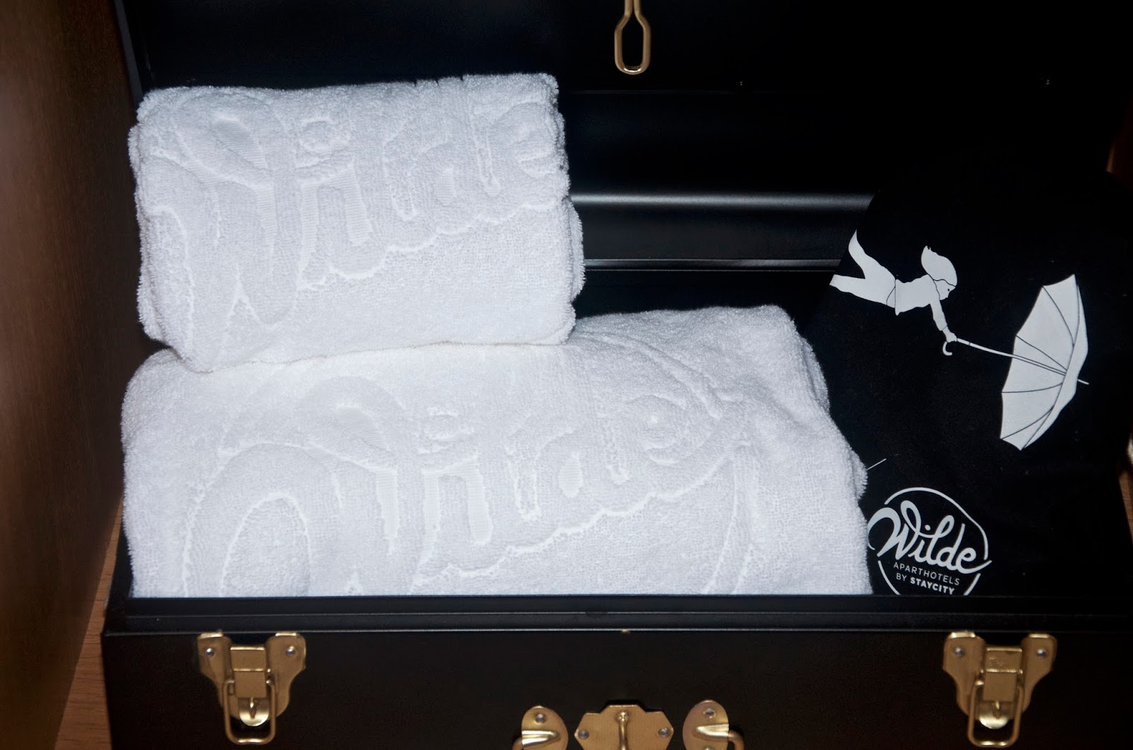 Wilde Aparthotels by Staycity towels in trunk