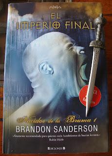 Portada del libro El imperio final, de Brandon Sanderson