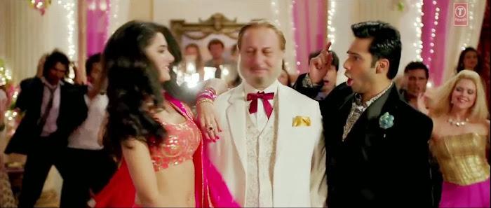 Shanivaar Raati - Main Tera Hero (2014) Full Music Video Song Free Download And Watch Online at worldfree4u.com