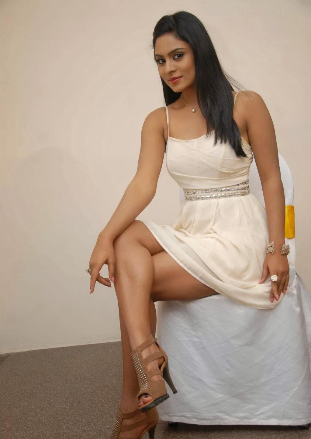 south actress deepika das glamorous pics gallery