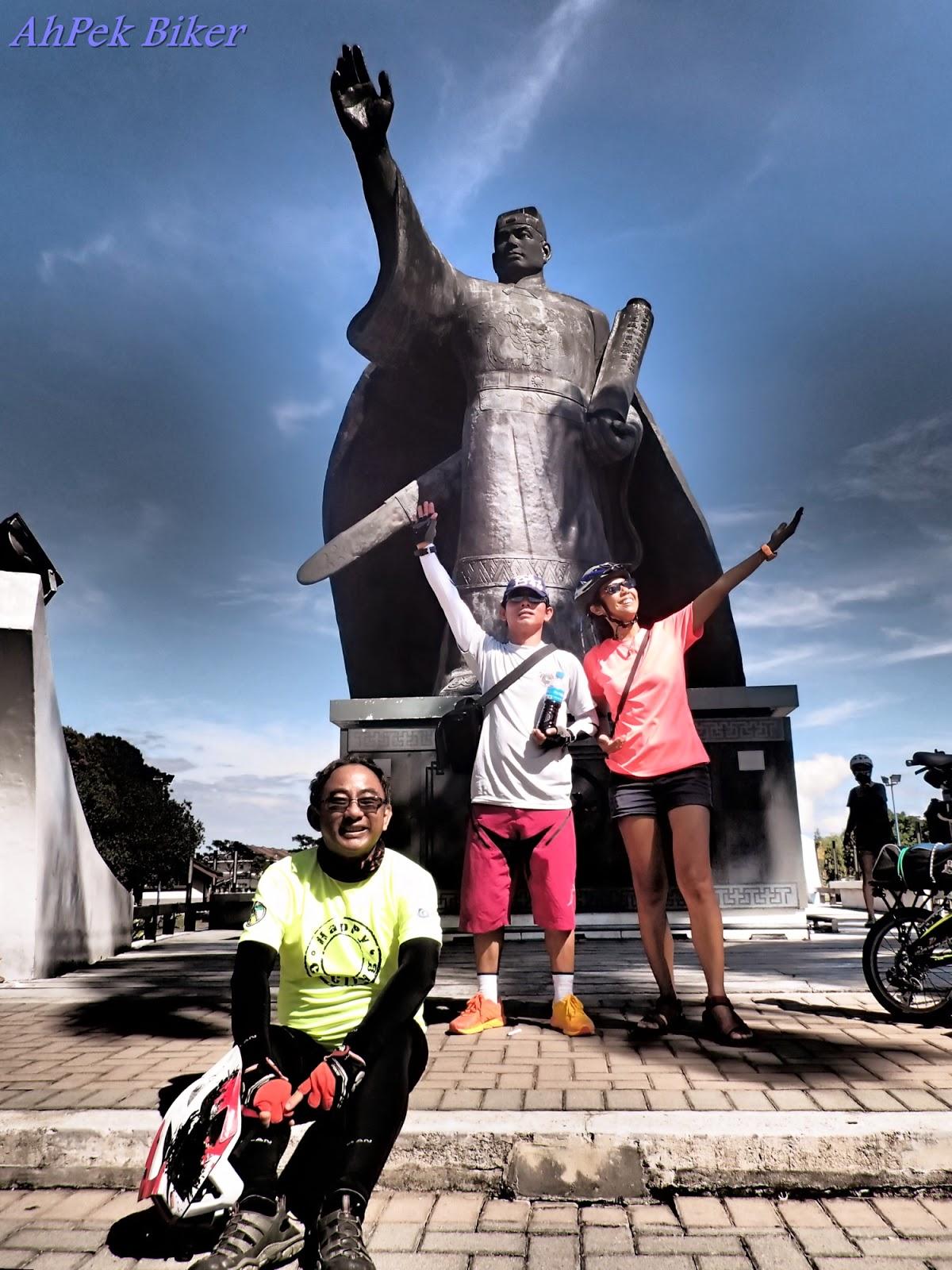 AhPek Biker - Old Dog Rides Again: Cycling Sarawak Gawai