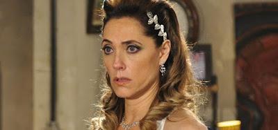 Fina Estampa - Após sequestro e fuga, Tereza Cristina é dada como morta