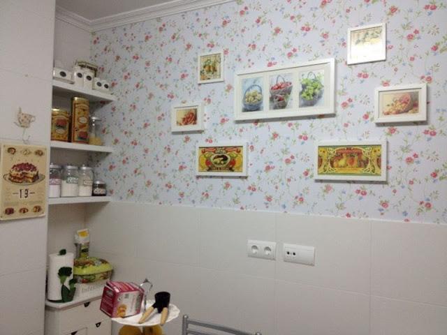 Interiores empapelados for Cocinas empapeladas