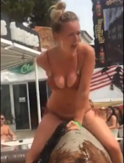 Naked Embarrassing Moments 94