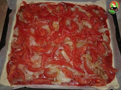 بيتزا الصوصيص والبيض بالصور ( سهلة جدا )