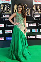 Manjusha in Beautiful Sleeveless Green Anarkali dress at IIFA Utsavam Awards 03.JPG