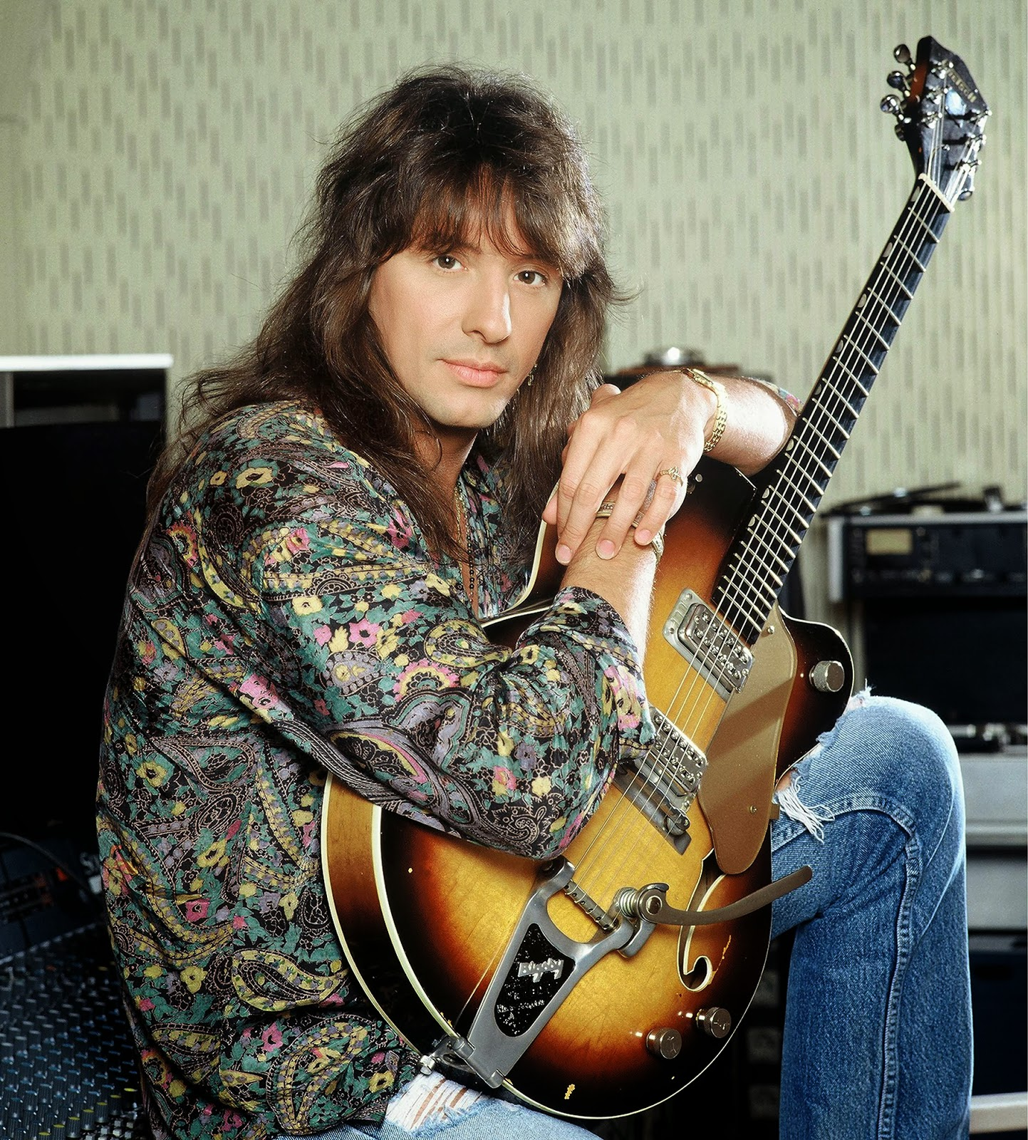 On Hearing That Joe Schmo Mackett Had Been Asked To Interview Richie Sambora I Figured That It Was Time For Some Severe Grovelling