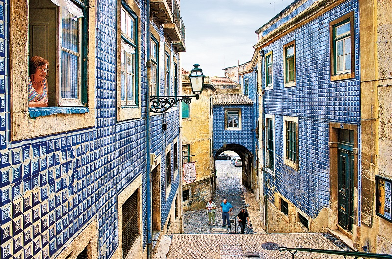 Bairro de alfama em lisboa dicas de lisboa e portugal for Casa dos azulejos lisboa